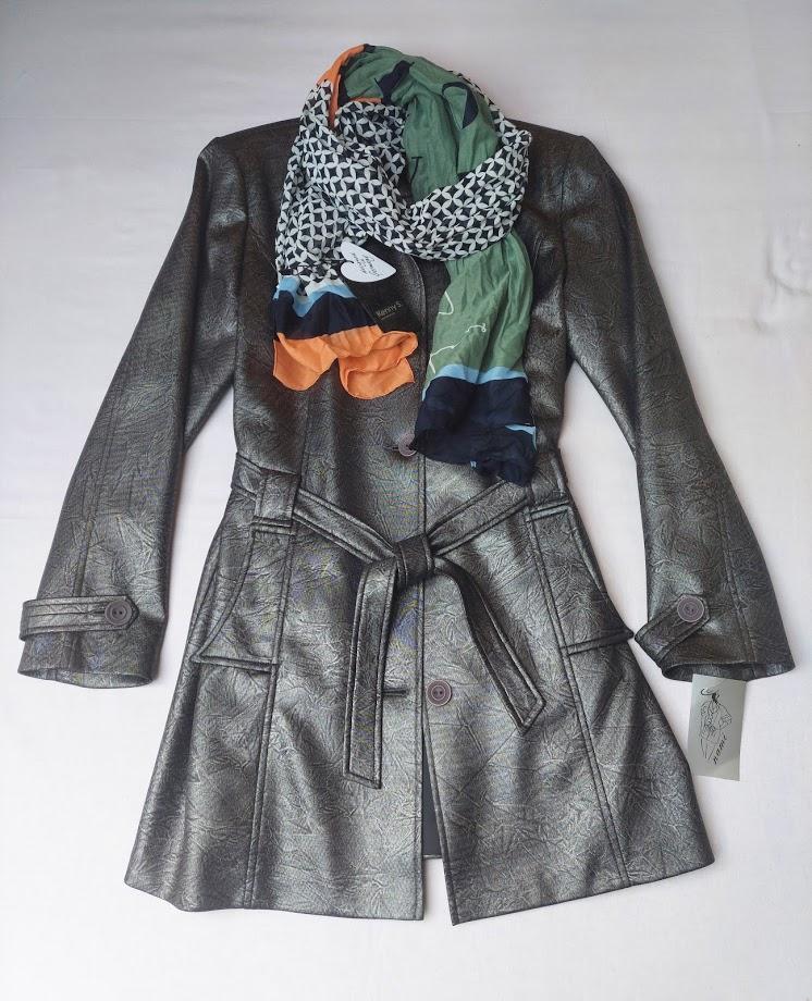 kabátek se šálou